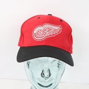 Vintage Logo 7 Detroit Red Wings Snapback Hat Cap